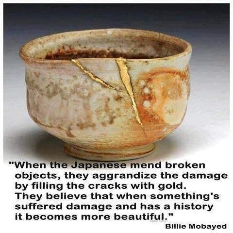broken bowl weerspiegelingen gold goud